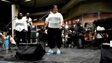 Natasha Cash at Eckerd College Performing Alicia Keys Girl On Fire